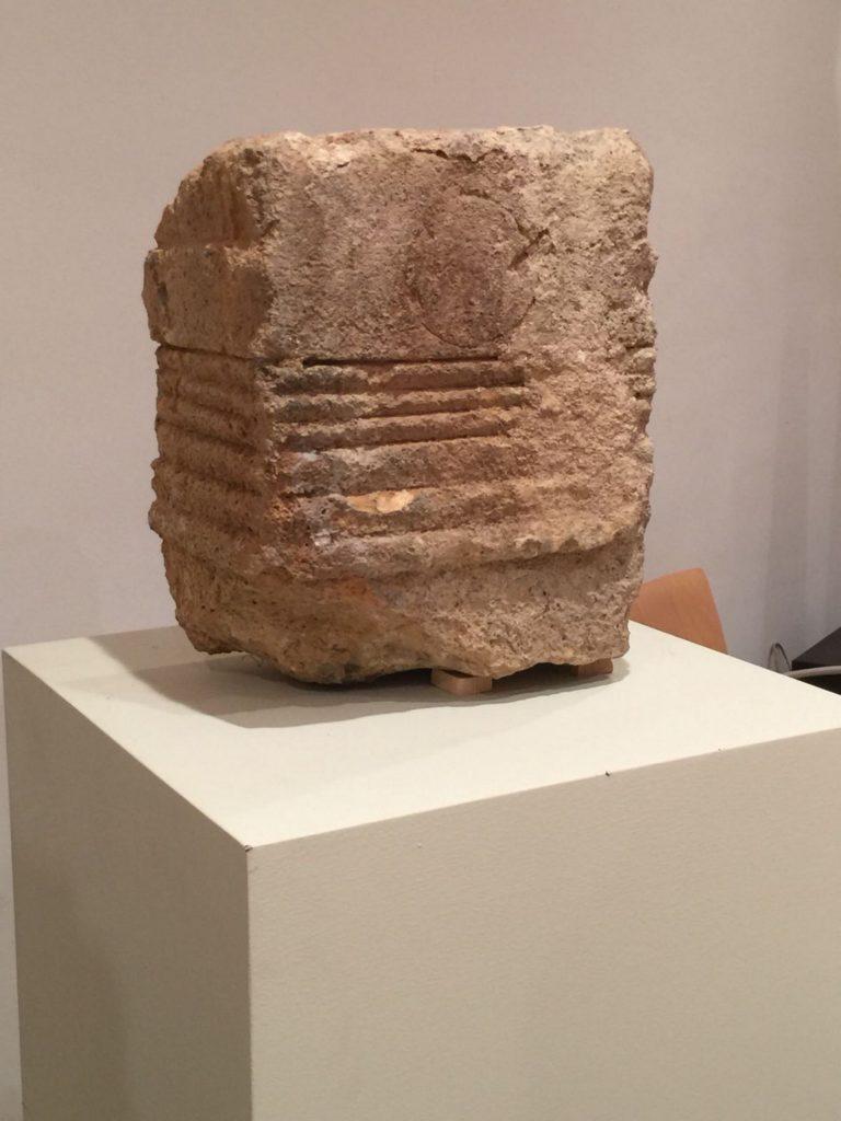 La Junta recibe del Alcázar materiales arqueológicos para el Museo de Segovia