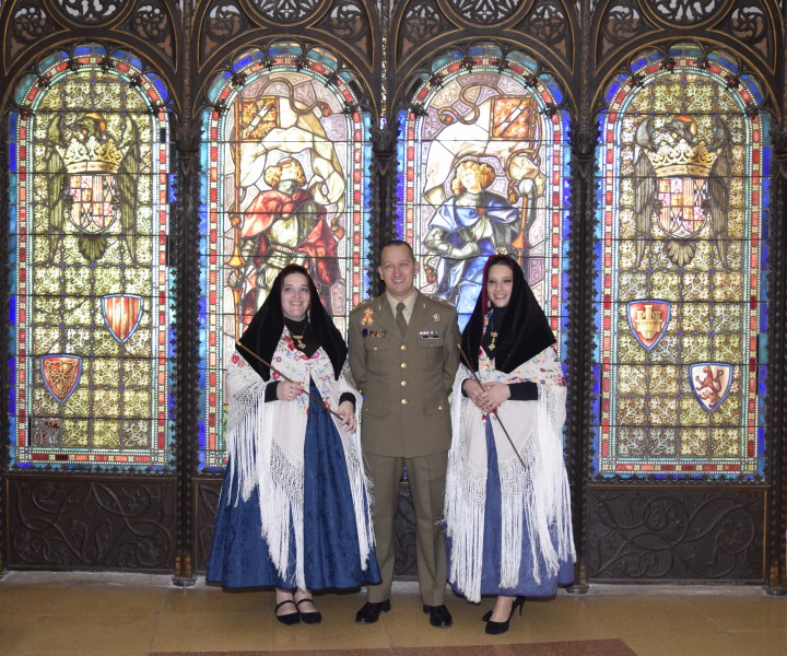 El Teniente de Alcaide del Patronato del Alcázar, Tcol. D. Ángel Manuel Borao Bastardo, en ausencia del Coronel Alcaide, ha recibido a las alcaldesas en la Academia de Artillería