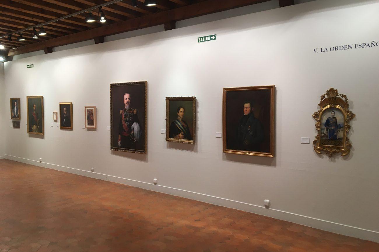 El Patronato del Alcázar, en su afán de colaborar con las distintas instituciones en la difusión de la cultura, participa en la muestra con dos obras: Retrato de D. Francisco de Paula Orlando y Retrato de D. Manuel de la Pezuela, II marqués de Viluma.
