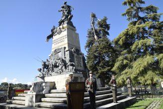 Elogio del capitán de Artillería D. Jorge Cotilla Mestre, a los capitanes don Luis Daoíz y don Pedro Velarde 1