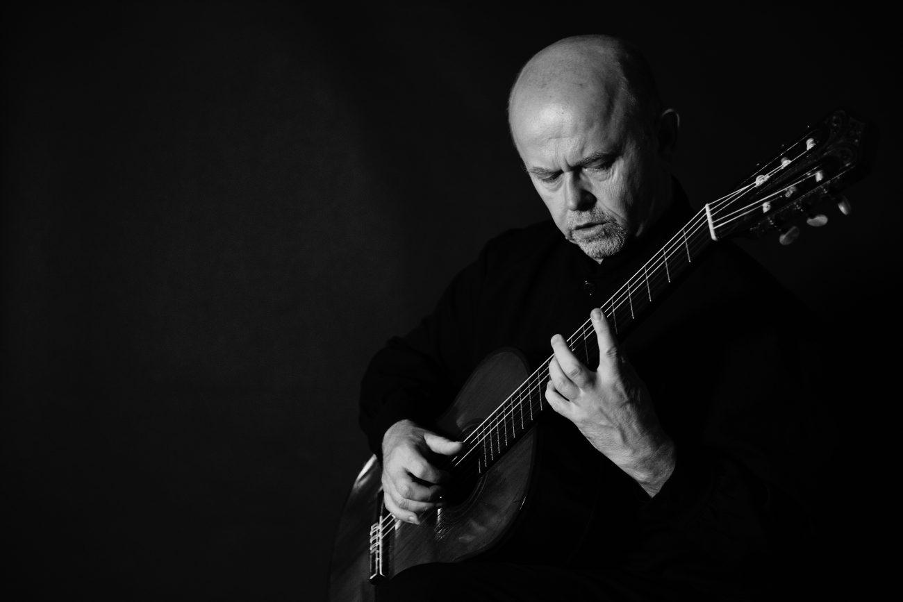la Sala de la Galera del Alcázar acogió un recital de guitarra a cargo de Pavel Steidl, considerado uno de los guitarristas más prestigiosos de su generación