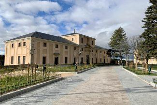 Alcázar de Segovia – Plaza de la Reina Victoria Eugenia (9)